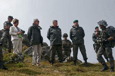 Bundespräsident Alexander van der Bellen in der Lizum - Foto: Boris Kurnik, Bundesheer