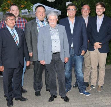 Neuer Vorstand des OV Lohn um den Vorsitzenden Franz-Josef Auer Foto: Andreas Röchter
