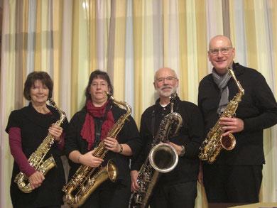 Querbeet Sax: Sigrid Kinger (Altsaxophon), Martina Bieschke (Tenorsaxophon), Franz-Josef Duppré (Baritonsaxophon), Klaus Luig (Altsaxophon), v. links n. rechts
