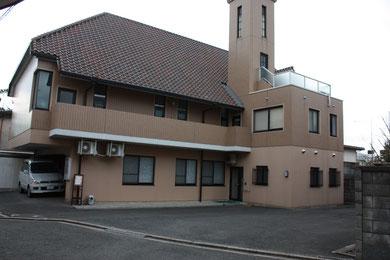 教会東側入り口・駐車場