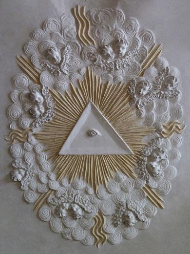Detail an der Decke: das Auge Gottes