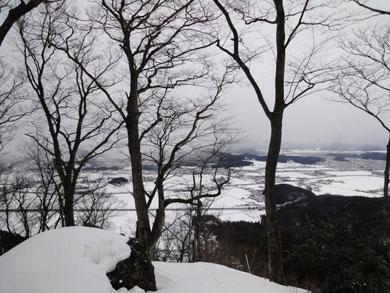 2月8日山頂 目の前に雪雲がせまってきた