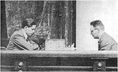 Botvinnik (a la derecha) frente a Keres, Moscú 1941