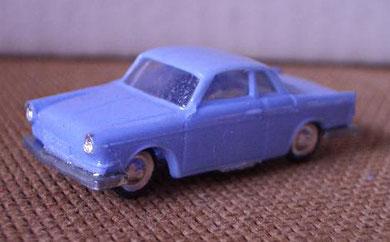 2082 BMW 700 coupé