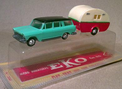 2060 Fiat 1500 con caravana