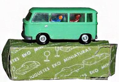 2030 Microbús Ford FK con viajeros