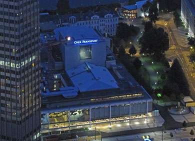 Opernhaus Frankfurt gesehen vom Maintower aus (Foto: Dontworry)