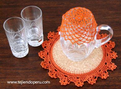tapa de jarra  con cuentas tejida en crochet