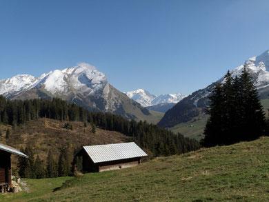 A gauche l'Aiguille, au fond le Mt Blanc, à droite début de l'Etale