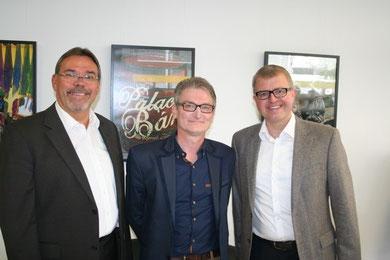 Martin Lohrie, Ben Kramer, MdB Frank Schäffler bei der Eröffnung der Vernissage im Liberalen Büro in der Bahnhofstrasse in Bünde