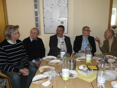 Guido Ronsiek, Joachim John, Martin Lohrie, MdB Frank Schäffler sowie Dietmar Flömer in geselliger Runde