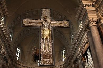 Antico Crocifisso del duomo di Vercelli