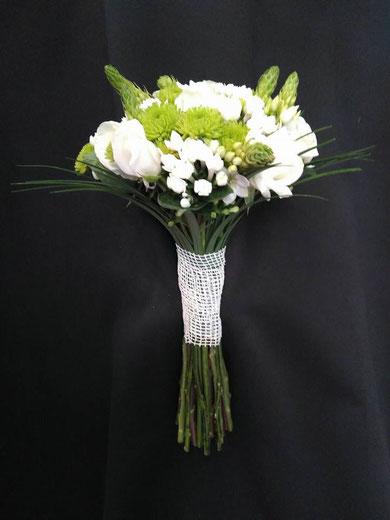 Ramo de novia clásico blanco ref RN01   PVP 100€