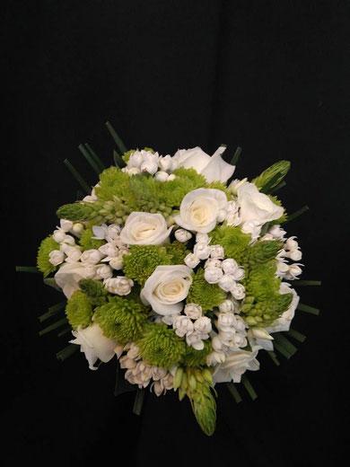 Ramo de novia clásico blanco ref RN02  PVP 100€