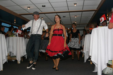 Pirnis Plattenkiste Tanzschiff