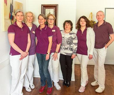 v.l.n.r.: Frau Secker-Berlage, Frau Schemeit, Frau Hardick, Frau Schulz, Frau Paulsberg, Frau Hagedorn, Dr. Christian Berlage