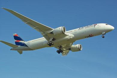 Boeing 787-800 LATAM Airlines © Andreas Unterberg