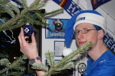 Raver112 als HSV Weihnachtsmann,HSV-Weihnachtsmann,Père Noël,Papá Noel,Babbo Natale,HSV-Weihnacht,Weihnachtsmann,Santa-Clause,Sankta-Clause,Santa,Sankta,HSV,Hamburger-SV,Raver112Fest,Weihnacht,X-Mas