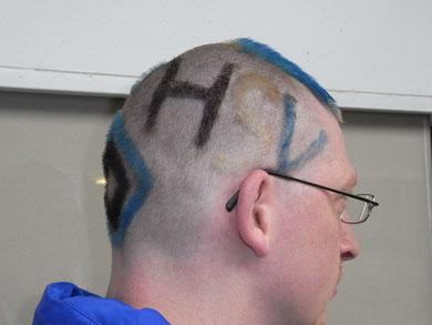 Raver112, Haarschnitt,Haarschnitte, Haare, Haircuts, Hair, Hairs, verrückte Haare, Essanelle,Friseur, HSV, Haar, Raute,Hamburger SV,Frisur,Haarfrisur,Haarfrisuren,Deutschland,Germany,Cuts