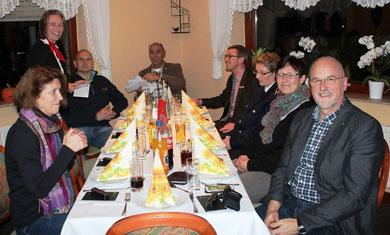 Gute Stimmung bei der Spendenübergabe. Bei uns mit am Tisch (hinten rechts) Herr Achim Thöle, Vorstandsmitglied Sparkasse Westholstein.