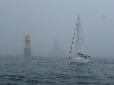 Le raz dans la brume