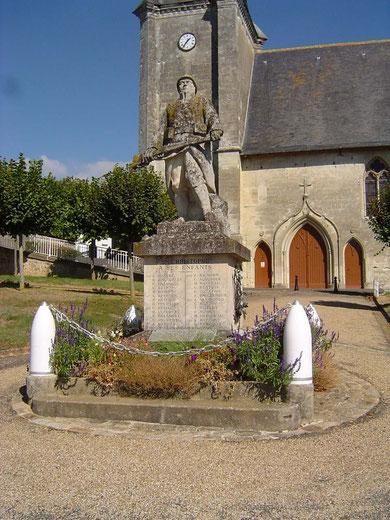 Le monument aux morts sur le Mail des Anciens Combattants