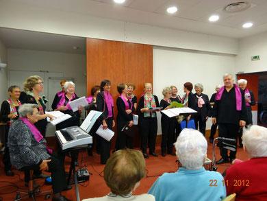 Chants dans l'EHPAD de St-Médard-d'Aunis jeudi 22-11-12