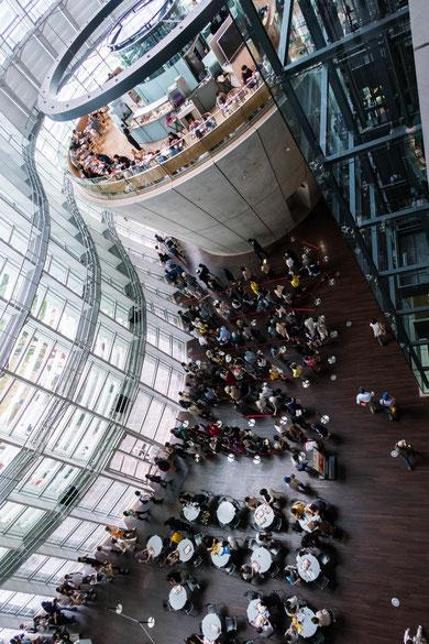 東京国立新博物館ロビー 君の名は 聖地巡礼