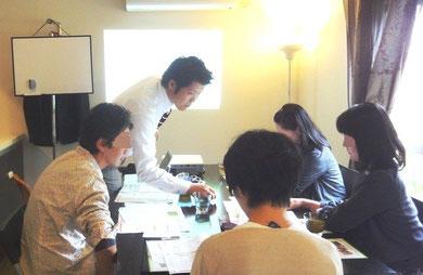 三島木先生の内容の濃い授業。みな集中して聞いています