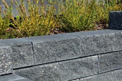 Ziccolini-Bruchsteinmauer
