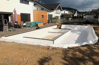 Schalungssteine für Schwimmbad/Teich