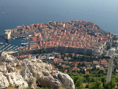 Srdj 山頂から Dubrovnik 旧市街の全貌。