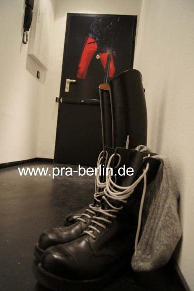 rubber floor, black rubber, boots, wescos, Dehners