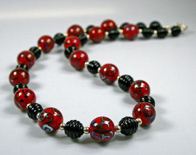 Rot-Schwarz, Länge 62cm (verkauft)