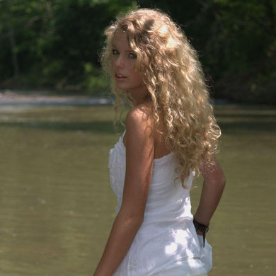 """Taylor Swift"" Album Photoshoot (2006)"