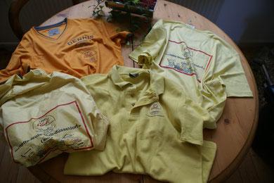 unsere T-Shirt`s und Regenjacken ...