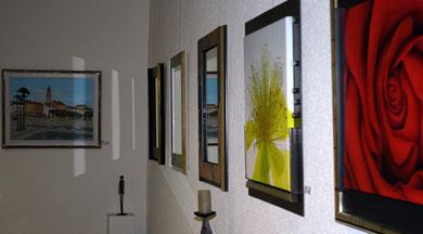 Spiegel und Kunstrepro. aus unserem Atelier