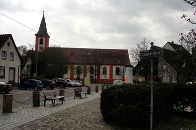 Der Schlaucherplatz und die Valentinskirche