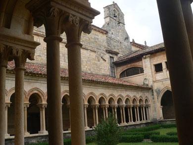 Claustro del Monasterio del Arroyo, Palencia, fundado por la nieta de Alfonso VI(Dña Mencía)
