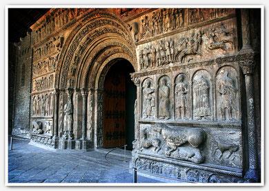 Fachada de Santa María de Ripoll