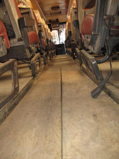 Nobel: Ein Bus mit Holzboden