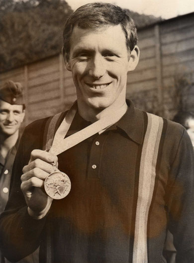 1965 Leipzig: Robbie Phelps (GBR) wins the shooting event