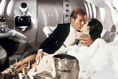 007ジェームズ・ボンドの部屋 JAMES BOND