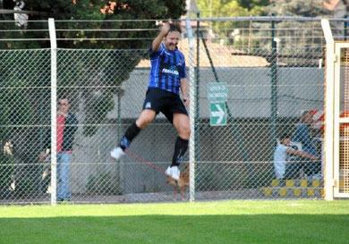 10': Andorno esulta dopo il gol del vantaggio