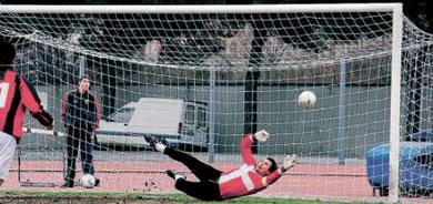 9': il rigore tirato da Francesconi si infila alle spalle di Ghizzardi