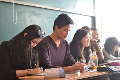 Lesefüchse 2011: Maralmaa (AvH), Dshinggis (AvH), Khongorzuul (AvH), Ankhtsetseg (AvH), Bayarmaa (AvH) und Nomin (Goethe)