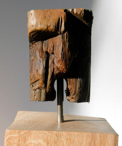Stern Wrecking God (ship's oak timber, oak plinth, aluminium)