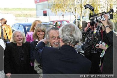 Prof. Eibl-Eibesfeld empfängt seinen Freund Hans Hass samt Familie