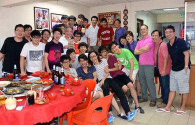 マレーシアにて。香港の仲間と共に記念撮影。
