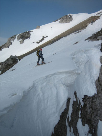 Wächte knapp unterhalb des Gipfels